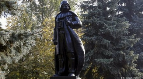 Darth Vader Sculpture Replaces Soviet Leader Lenin in Ukraine's Odessa